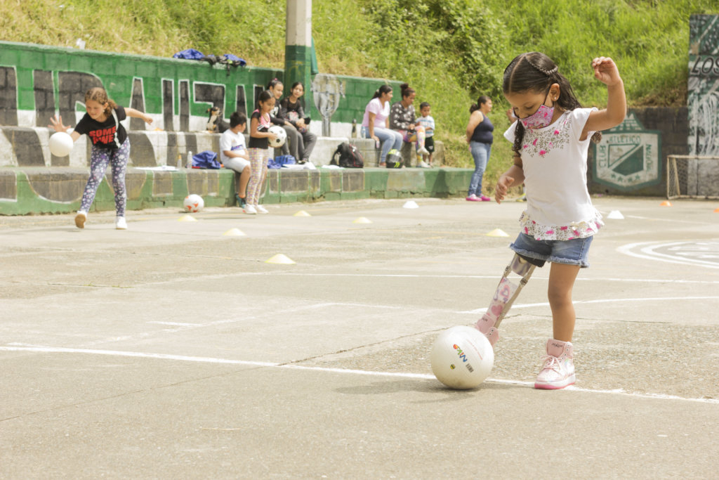 project photo for Give prosthetic legs for 100 Children in Colombia
