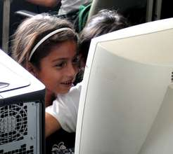 Fabretto Children Learning on Computers