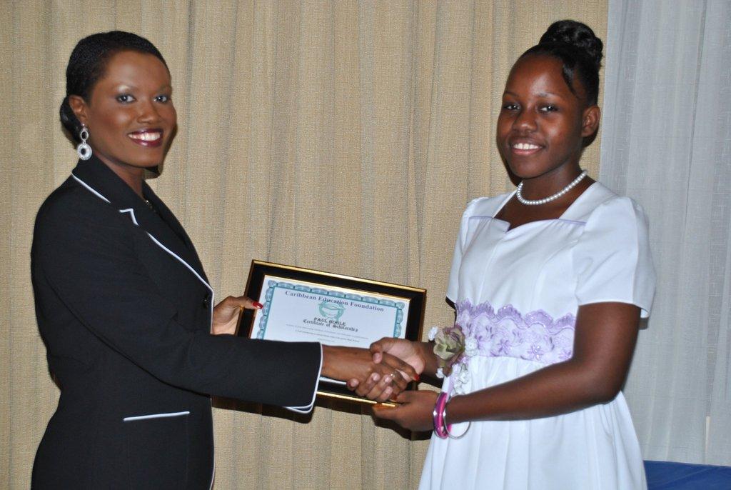 2010-CEF CEO Nikiki Bogle awards Sarah Scholarship