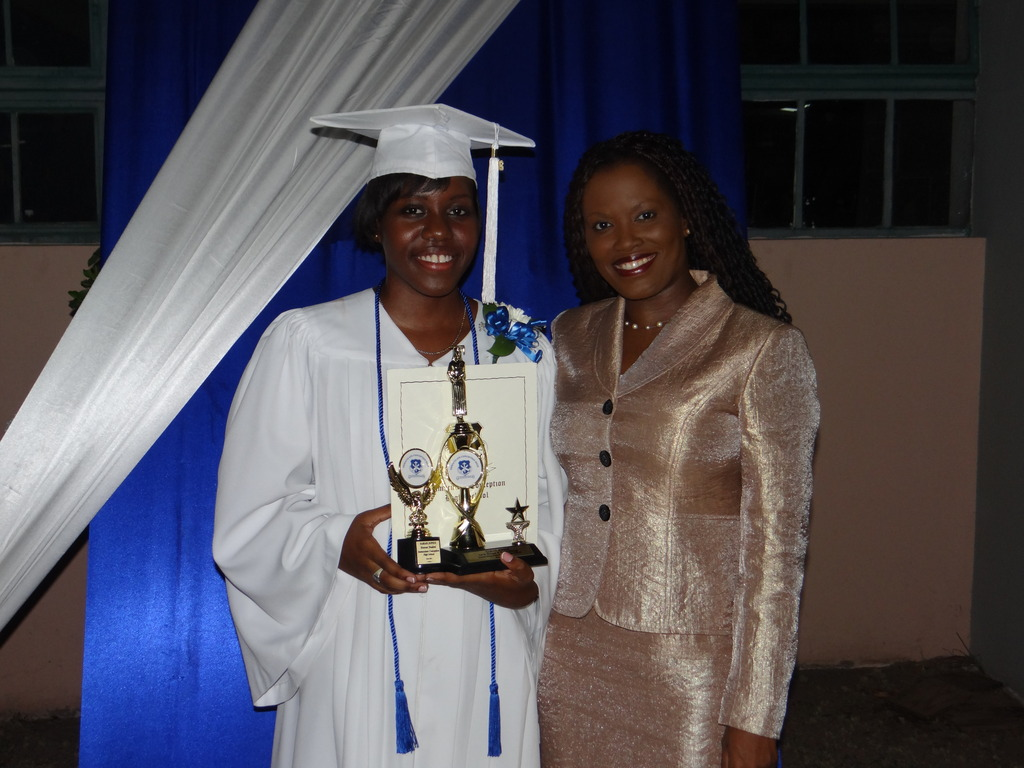 2015-CEF CEO Nikiki Bogle with Sarah at graduation
