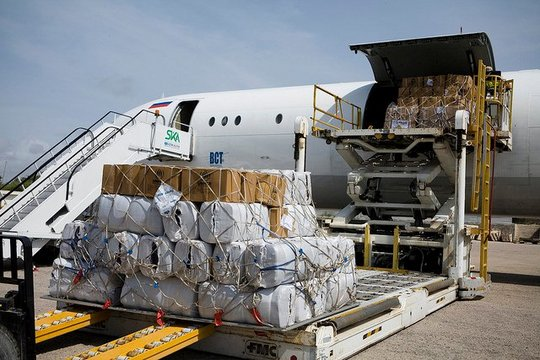 UNHCR humanitarian aid airlifted into Somalia