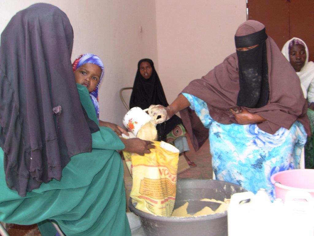 Food distribution @ Sheikh Aliawhar Clinic Somalia