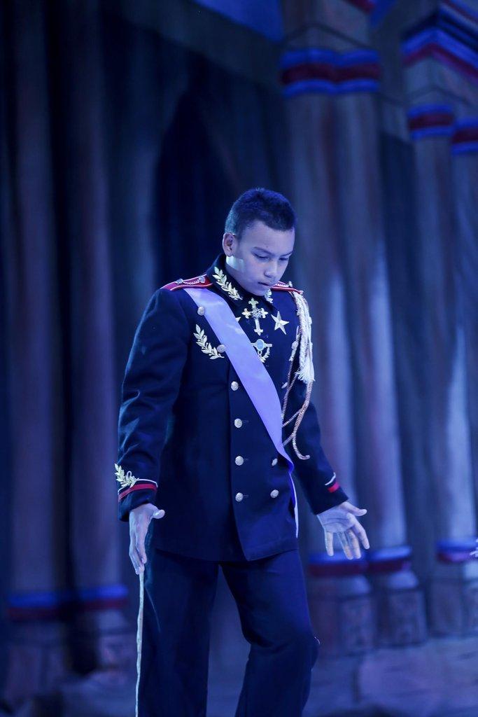 Juan at a ballet recital based on Disney