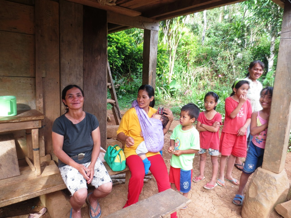 Talking with Kimbutan mothers with their children