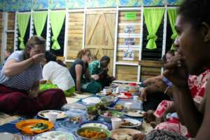 Dinner and chats between GVI and local teachers.
