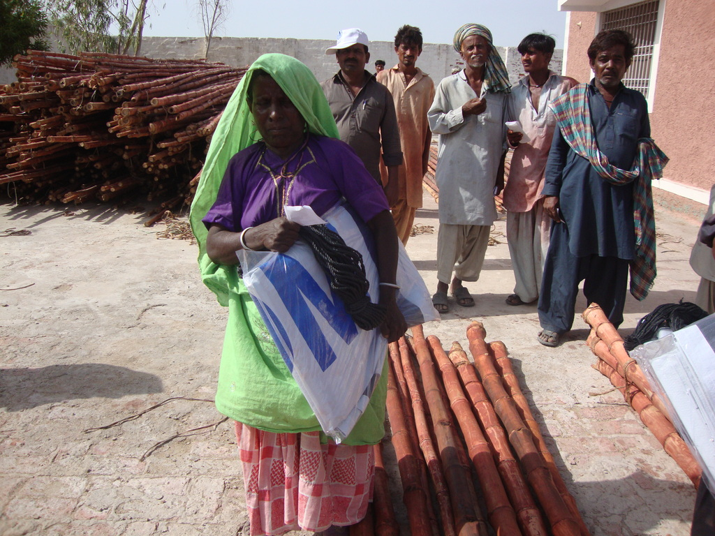 Women happy to recieve shelter kits