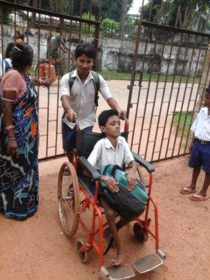 Gudu Das welcomed to school by his friend&Teacher