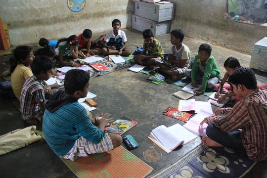 Another after-school program in another slum