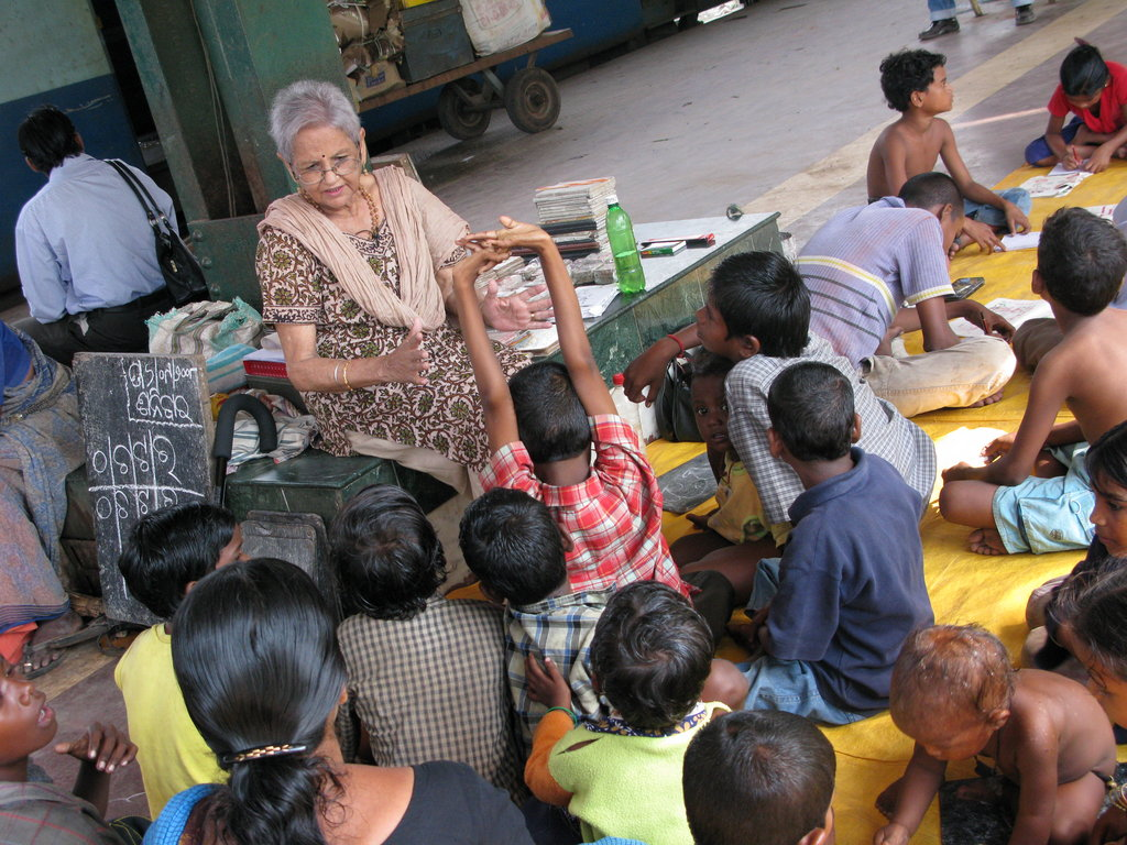 Give a smile to 3000 slumchildren to attend school