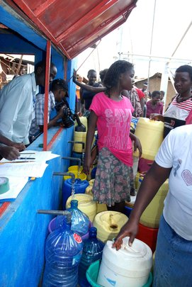 Busy days at SHOFCO's Clean Water Project