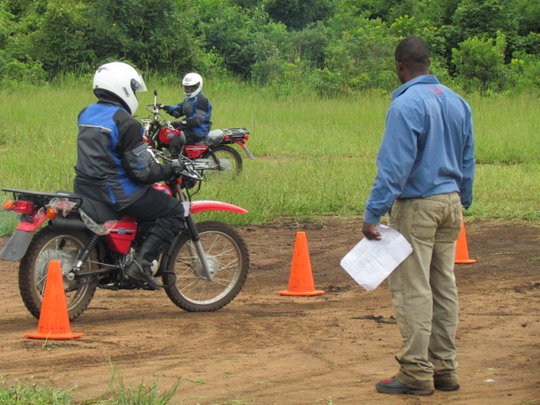 Riders' training health workers in riding