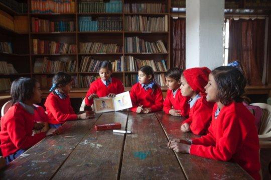 Girls Teaching 2