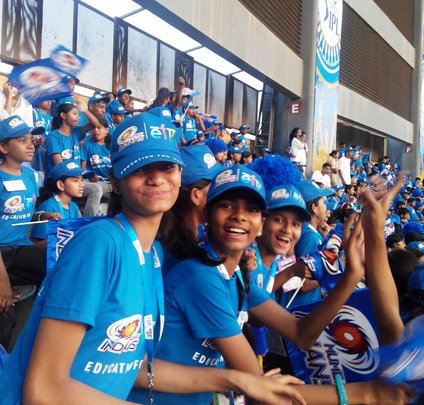 Girls enjoy at live cricket match!