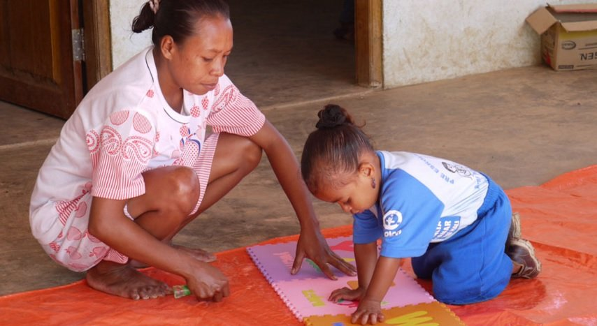 Anabelita and her 3-year-old daughter Joaninha