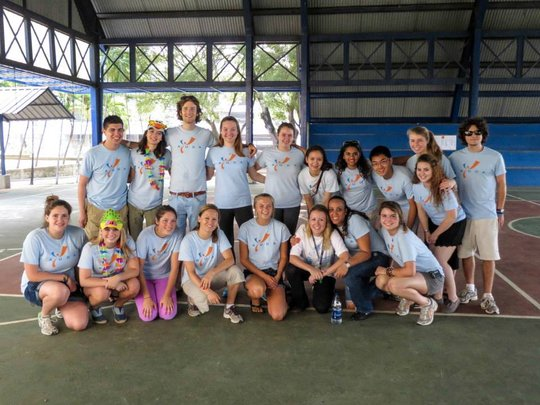 Campo Amigo 2013 AYUDA team