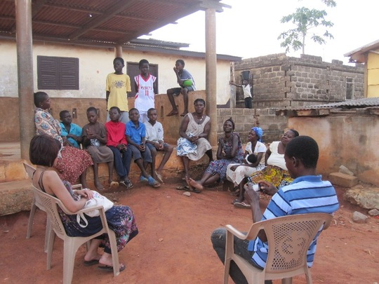 Meeting with single mothers of children rescued