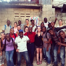 EIM students and international volunteers
