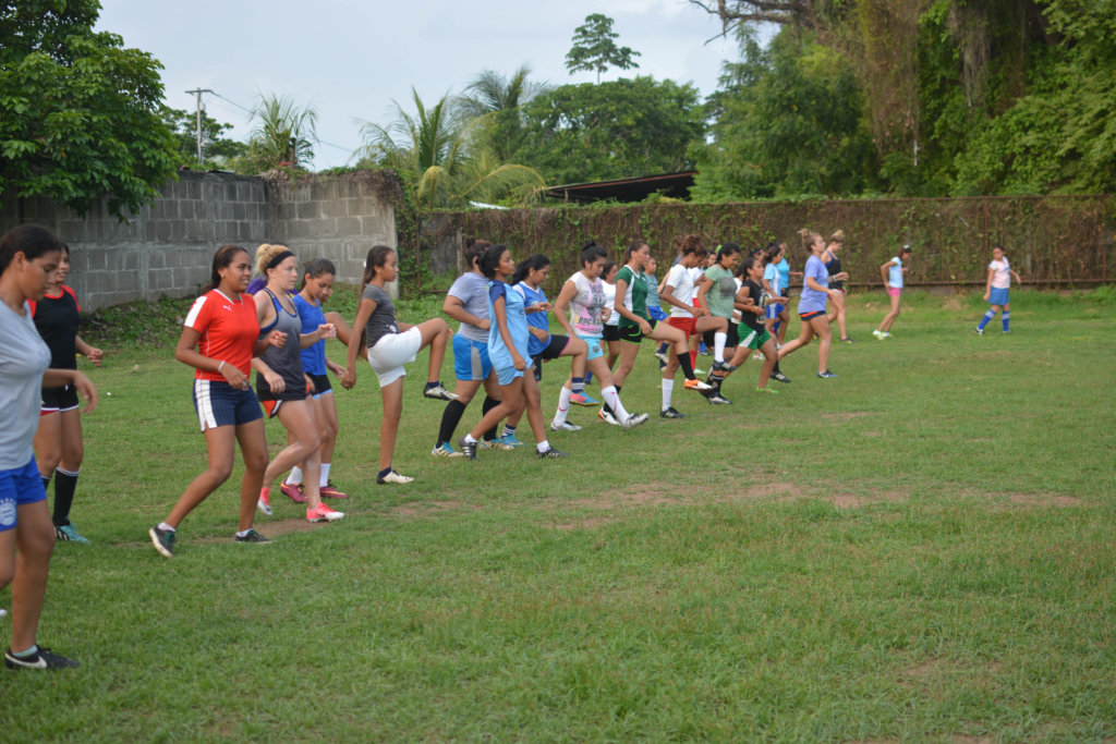 FSF & Illinois warm up at soccer practice