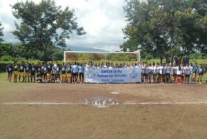 Post-tournament photo of Senior Division teams