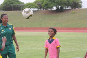 Girls & Football SA: Learning how to do a header