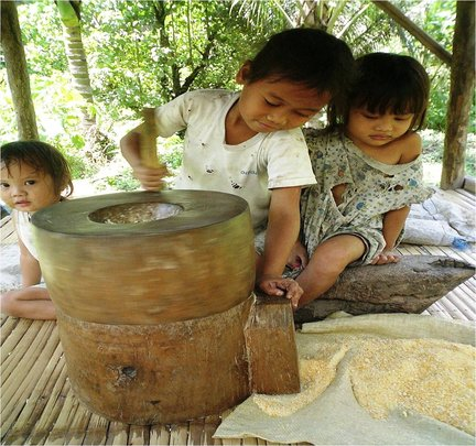 Ensure Food for 500 Poor Filipino Villages