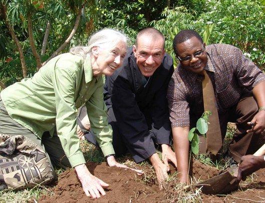 Dr. Goodall, Bart Weetjens, and SUA's Prof. Ngaga