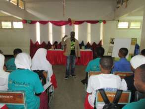 Guest speaker talks to Scholars about drug abuse