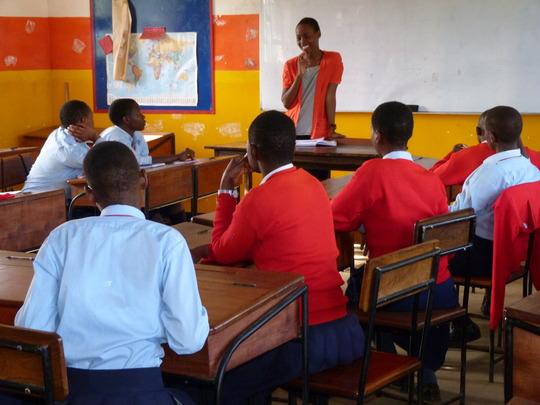 Mentor Gladys Discussing Presentation Skills