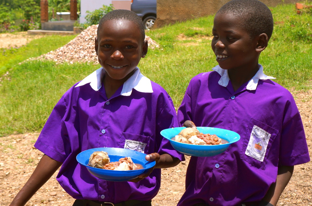 Two Nyaka students with their lunch