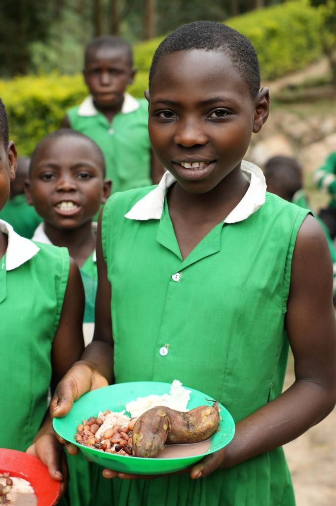 Kutamba Students Eating Lunch