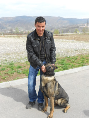 MDD Charlie with his handler