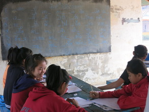 students practice Thai language together in the AM