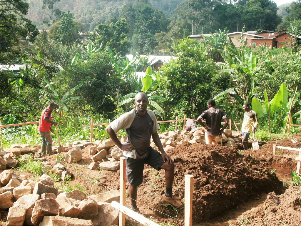 Gilbert and Community working at training site