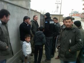 Volunteers getting help in Van, Turkey