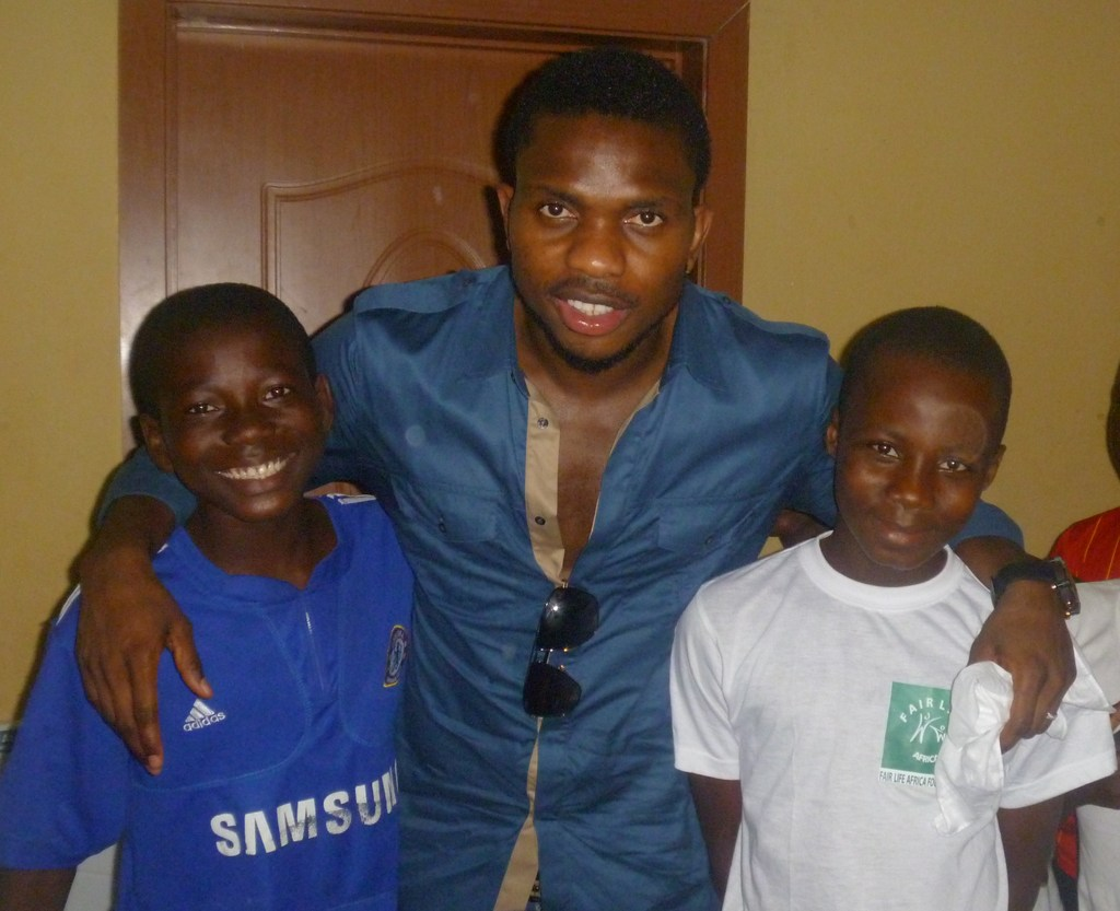 Yobo poses with FLA Kids