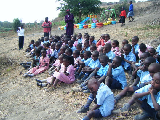 Give education opportunity to 200 Kenyan children
