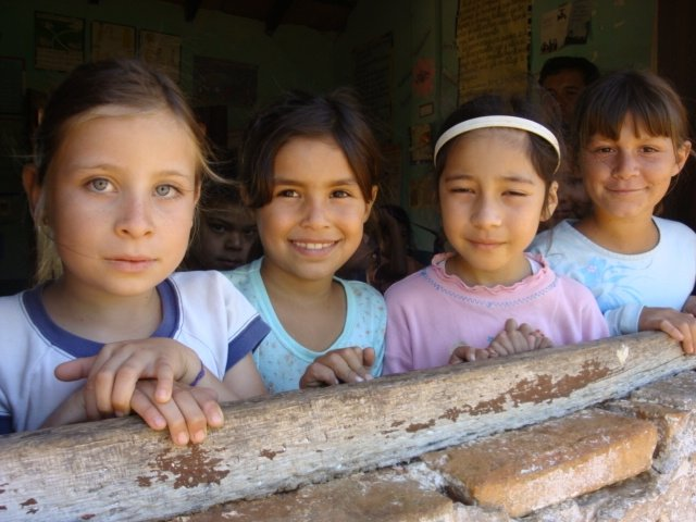 Give toilets to 200 children in Paraguay