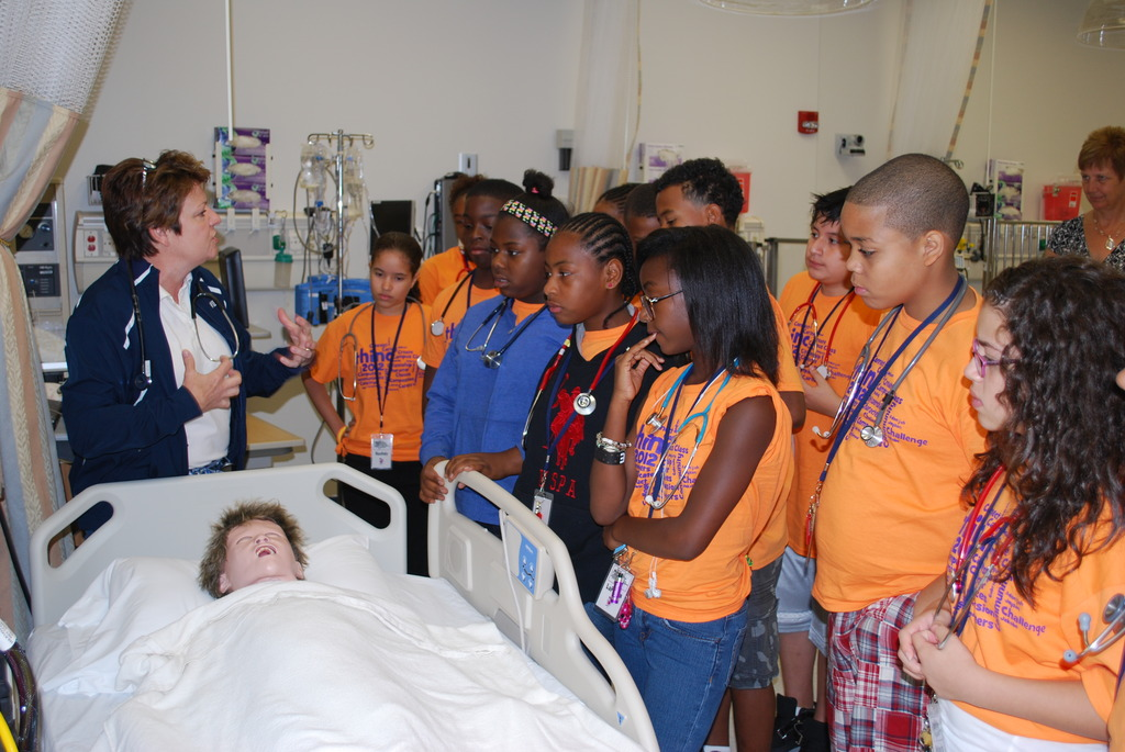 thinc students at the nursing lab