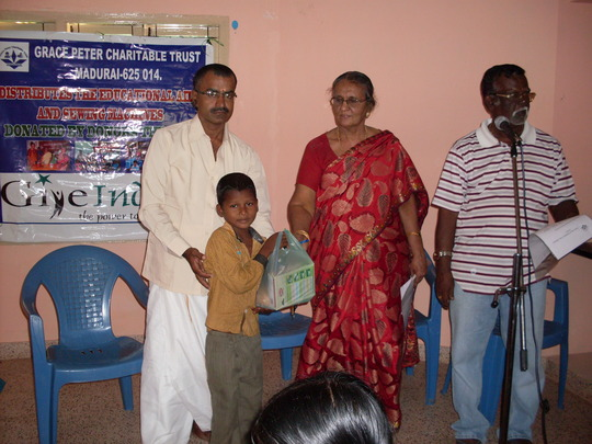 A Target Children is receiving Nutrition food