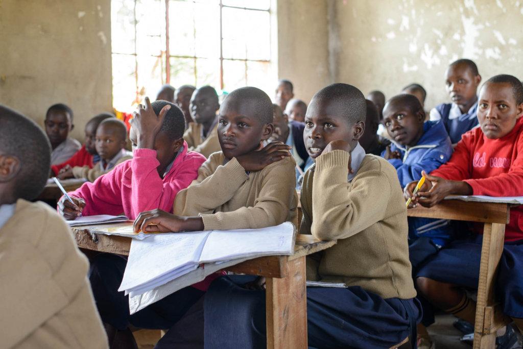Tareto Maa Girls in school