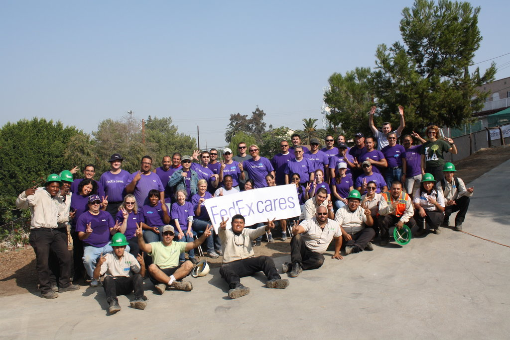 FedEx Volunteers and Corpsmembers