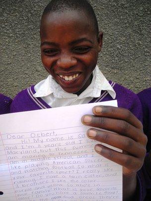 In Uganda - Penpals receive their letters