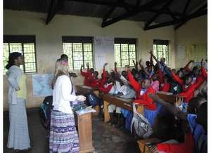 US Volunteers at Rushakyi Primary - Spring 2013