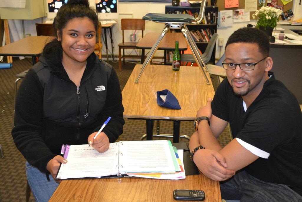 TF student Alamoni with her tutor John