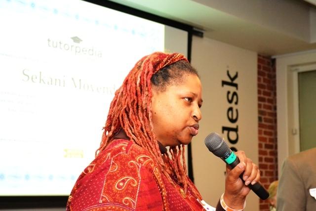 SFUSD Teacher Sekani Moyenda accepts TF award