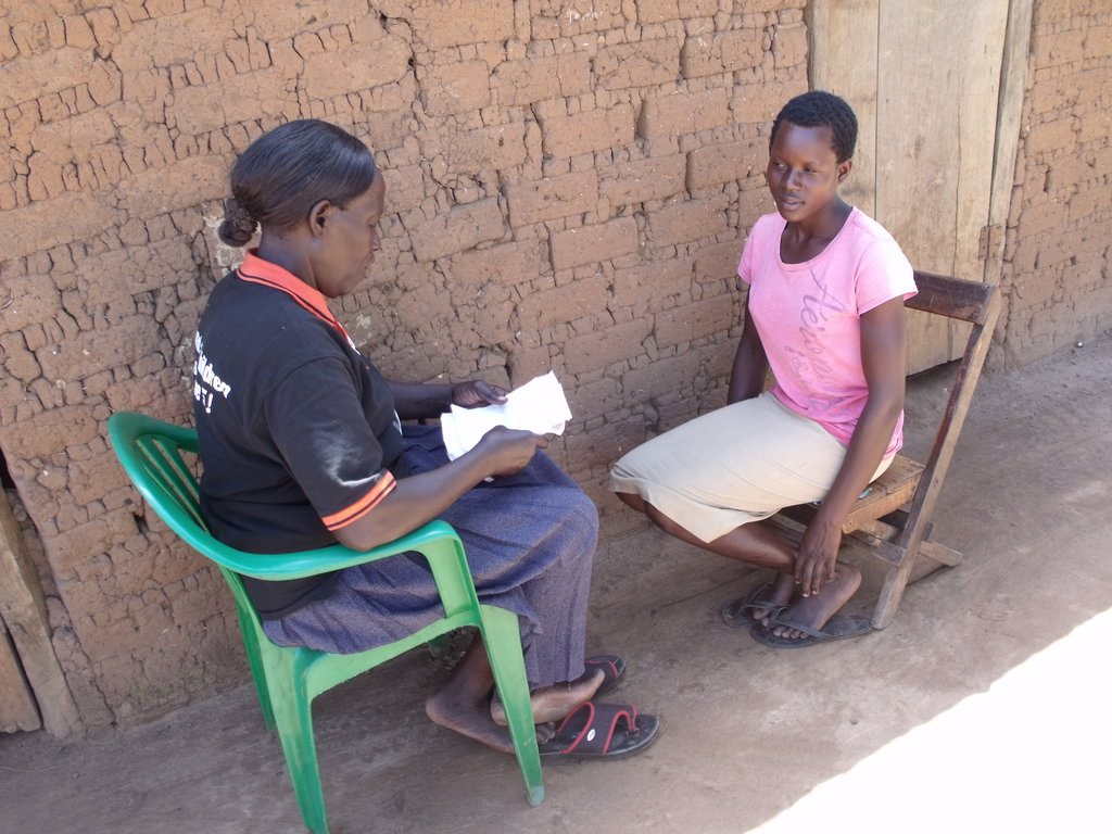 A community woman receives counseling from GWED-G
