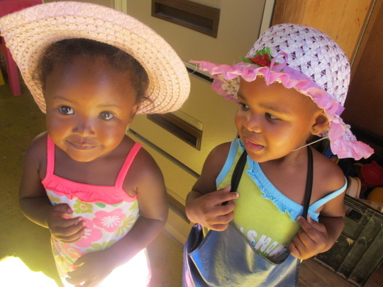 1ST SCHOOL DAY - SUN HATS NEVER LOOKED SO COOL