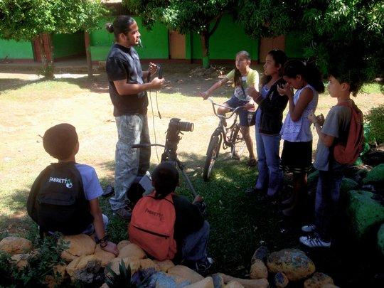 Camilo, Fabretto volunteer, leading a workshop