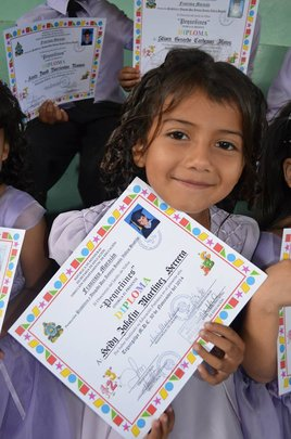 Jakelin graduates from Pre-K at Compartir!