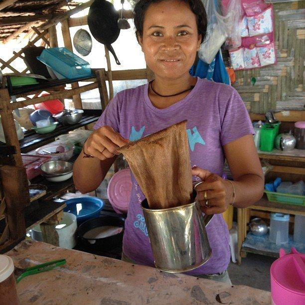 Delicious Thai Coffee Creates More Income.
